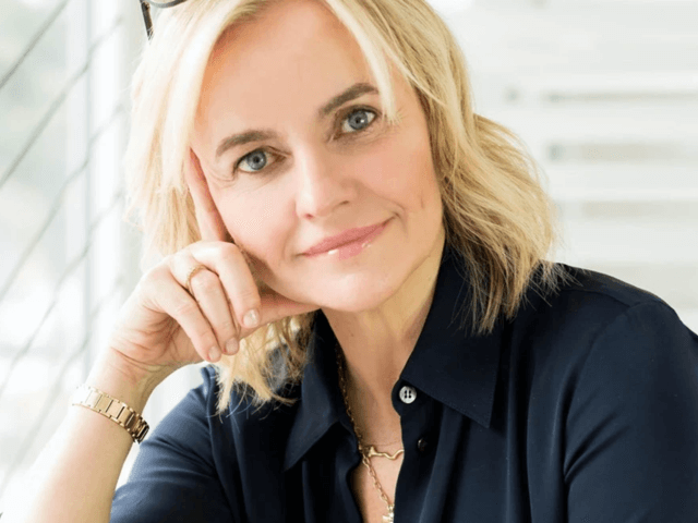 Q+A with Celebrity Facialist & Skincare Expert Joanna Czech